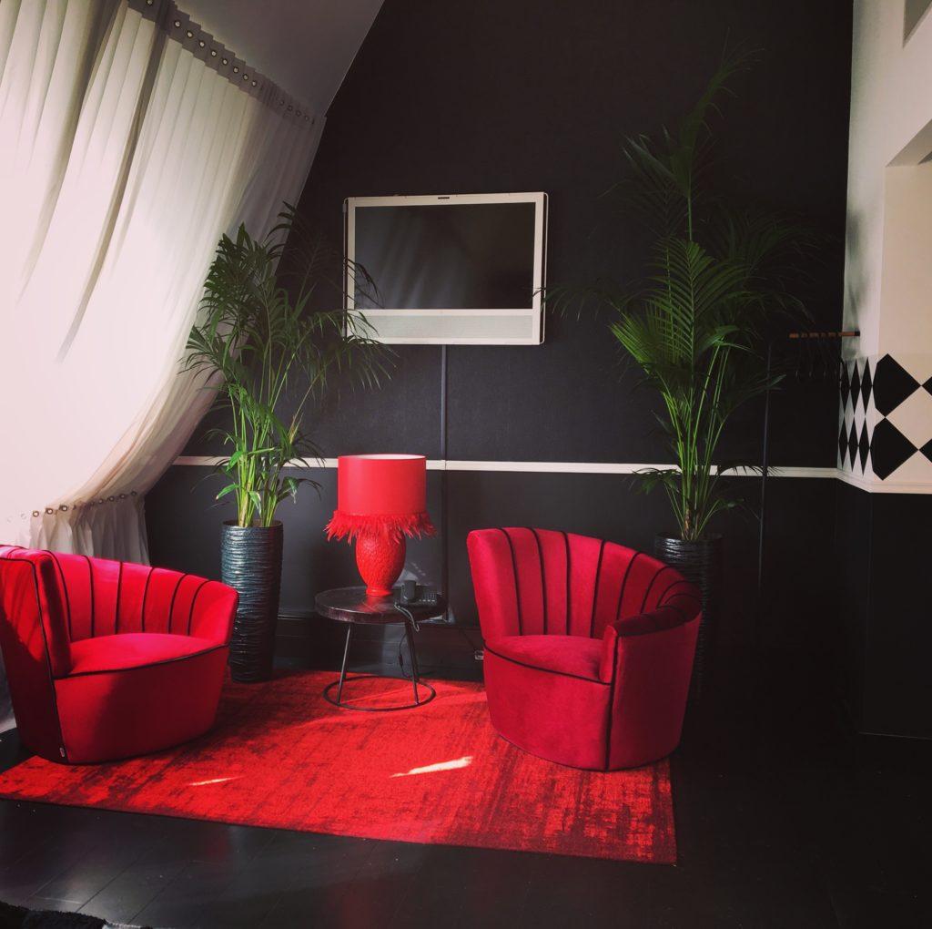 hotelkamer Librije rood met zwart