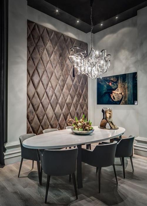 cosmopolitan luxury interieur met leren wand