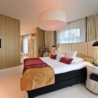 romantische-design-bruidssuite-hotel-Librije-Magnolia-bed