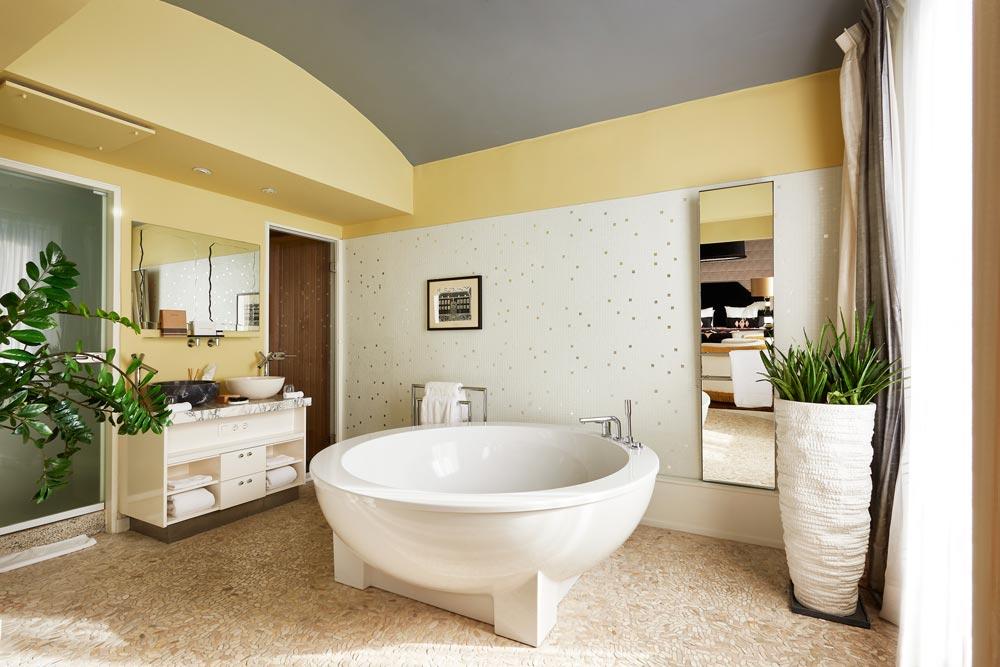 Chique-inrichting-badkamer-vanille
