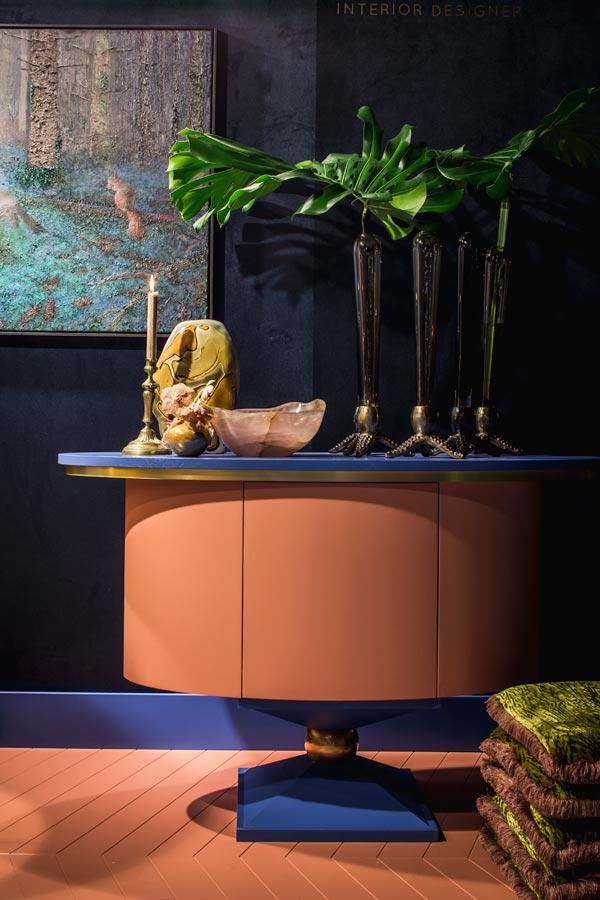 Hoe kies ik kleur voor mijn interieur roze bar en vloer hotellobby